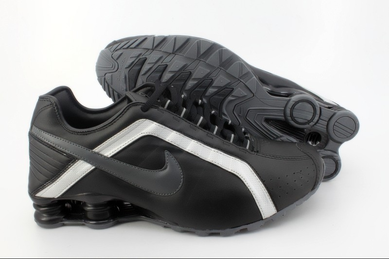 Nike Shox R4 M Black White Black Logo Shoes